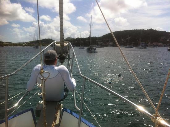 St Anne Yoan surveille les plongeurs